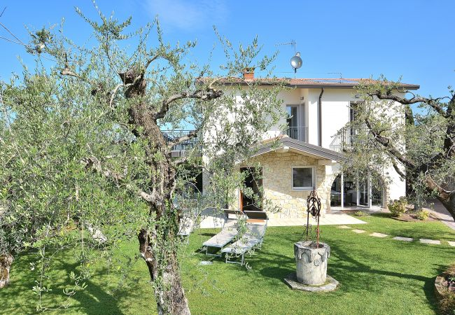 Villa Lisi With Pool   Gardasee - Lago di Garda