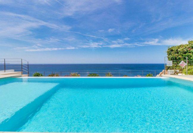 Excelente Villa enfrente del mar en Cala Pi