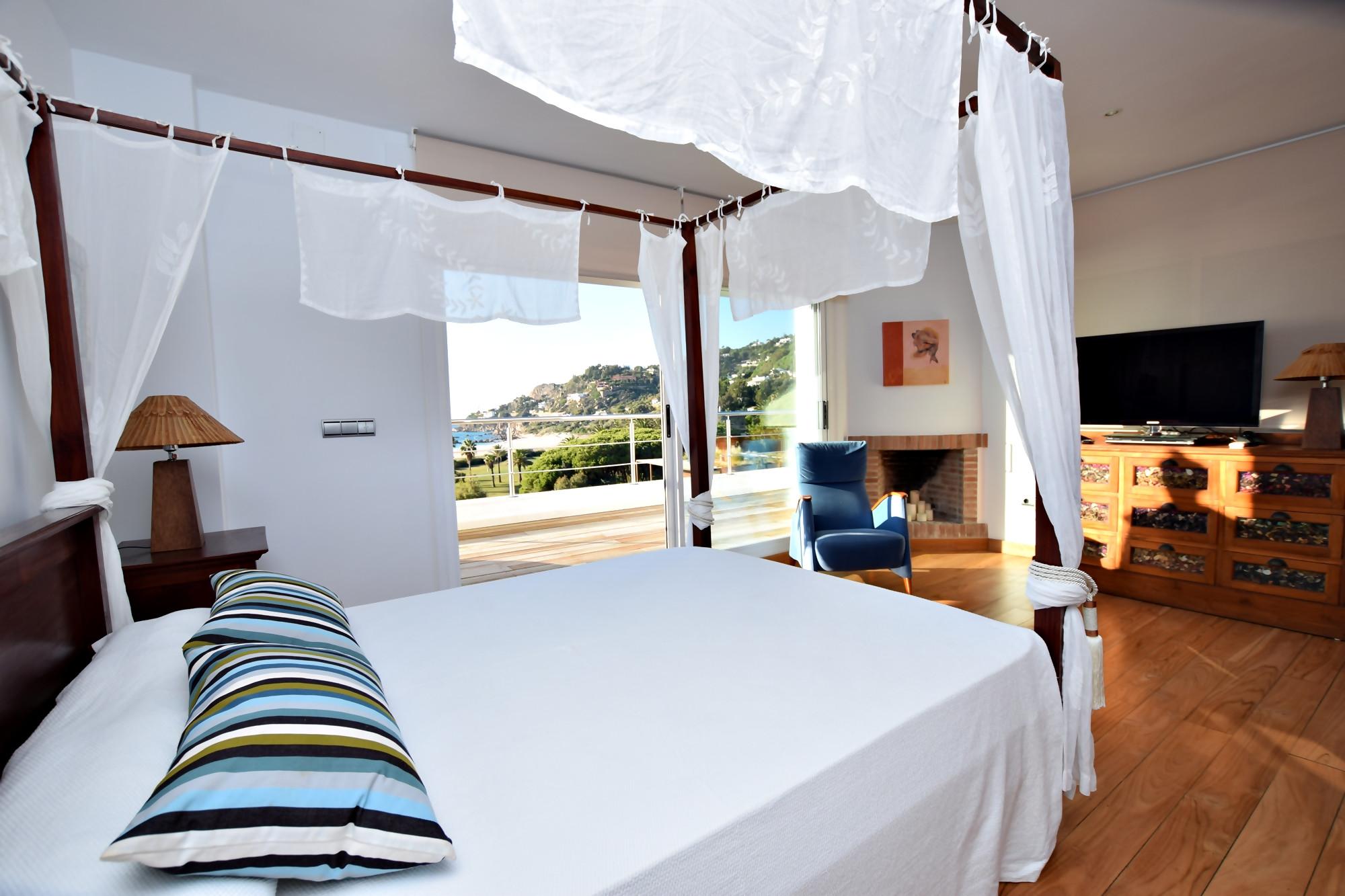 Pralaya - Dormitorio principal con acceso a la Terraza