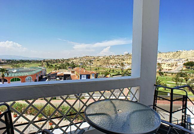ein Schlafzimmer, Blick auf den Golfplatz, gratis WiFi, kleine Terrasse