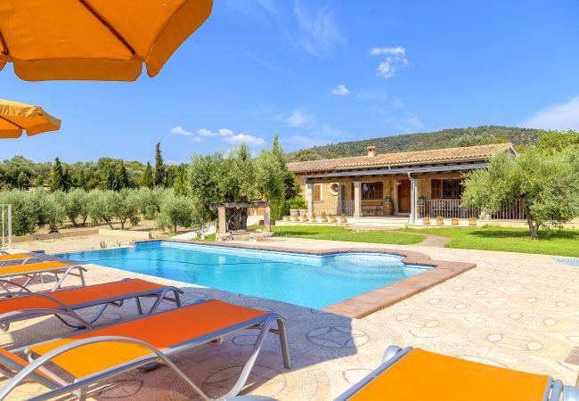Casa rústica Ses comes con piscina privada
