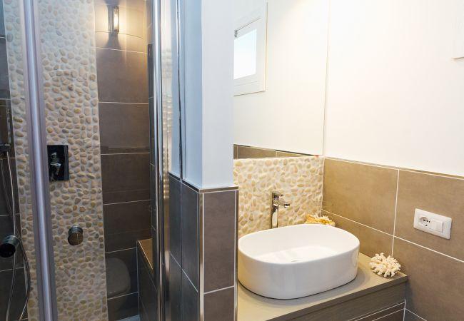 Ferienhaus Villa Totti with Private Pool, Garden, Parking and Elevator (2516709), Sant'Agnello, Amalfiküste, Kampanien, Italien, Bild 38