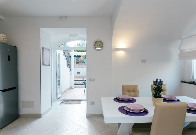 Ferienhaus Villa Totti with Private Pool, Garden, Parking and Elevator (2516709), Sant'Agnello, Amalfiküste, Kampanien, Italien, Bild 23