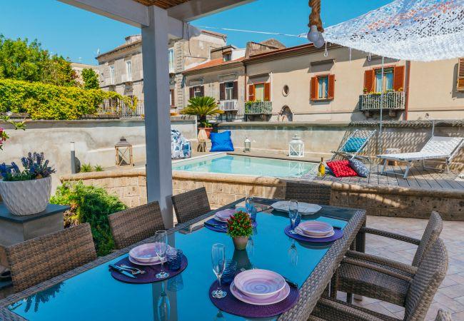 Ferienhaus Villa Totti with Private Pool, Garden, Parking and Elevator (2516709), Sant'Agnello, Amalfiküste, Kampanien, Italien, Bild 14