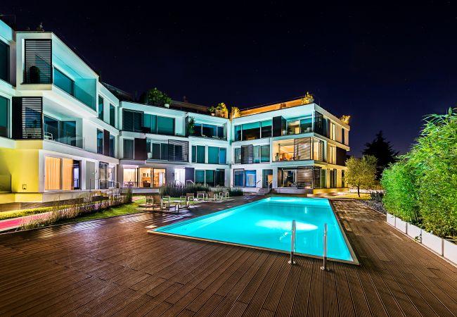 Ferienwohnung Bristol Exclusive 2/1 (2534651), Padenghe sul Garda, Gardasee, Lombardei, Italien, Bild 1