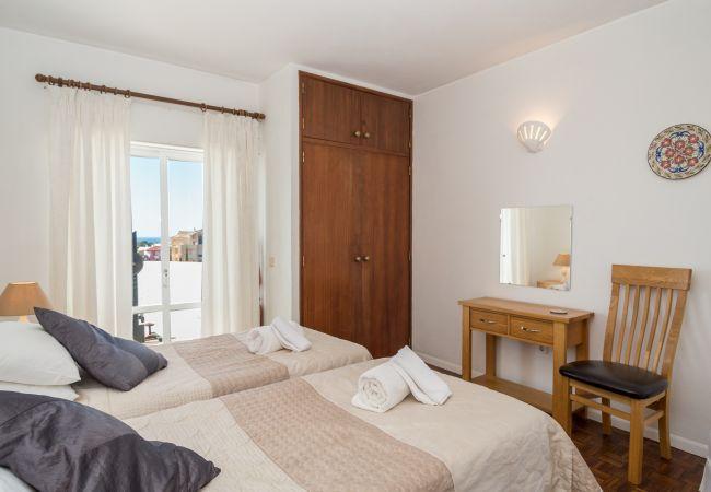 Ferienwohnung Sea View Apartment R (2570628), Luz, , Algarve, Portugal, Bild 24