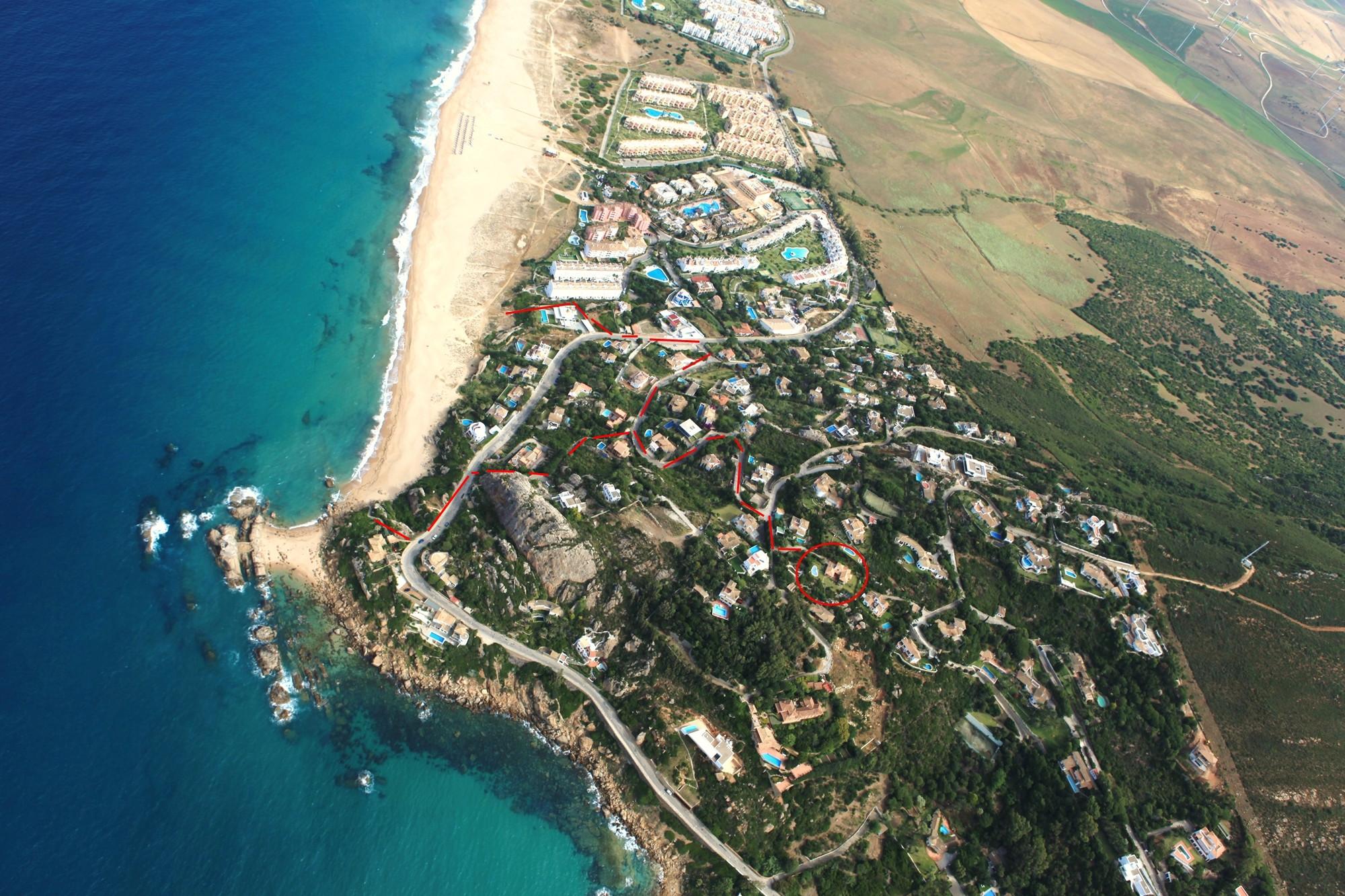 Casa Anselmo - AEREAS JUNIO 2011 OSCAR 102-