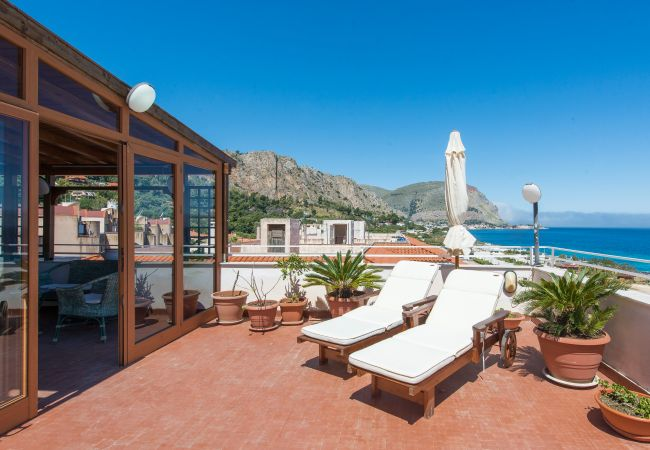 Appartement de vacances Casa con terrazza sul mare all'Addaura (2618846), Palermo, Palermo, Sicile, Italie, image 1