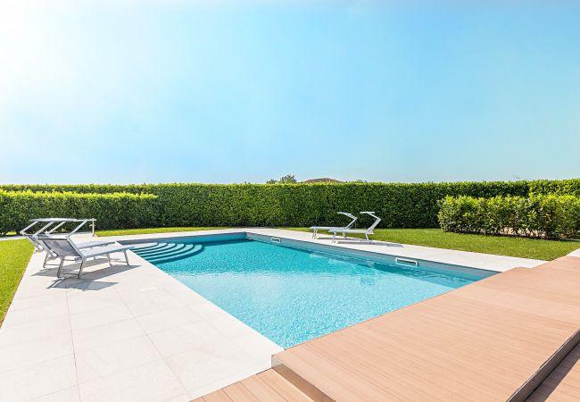 Ferienhaus Ferienwohnung Gardasee Lago Di Garda Mit Pool Mit 5 Schlafzimmern