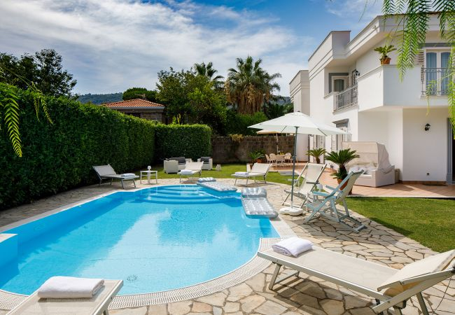 Ferienhaus Villa Lia with Private Pool, Garden and Parking (2670396), Sant'Agnello, Amalfiküste, Kampanien, Italien, Bild 5