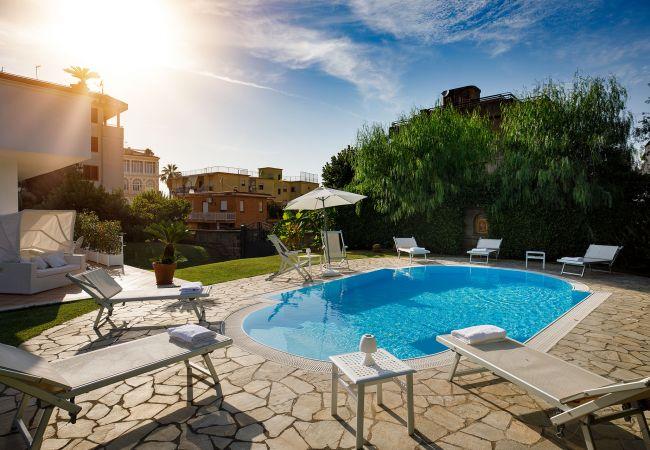 Ferienhaus Villa Lia with Private Pool, Garden and Parking (2670396), Sant'Agnello, Amalfiküste, Kampanien, Italien, Bild 7