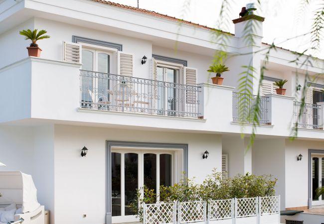 Ferienhaus Villa Lia with Private Pool, Garden and Parking (2670396), Sant'Agnello, Amalfiküste, Kampanien, Italien, Bild 12