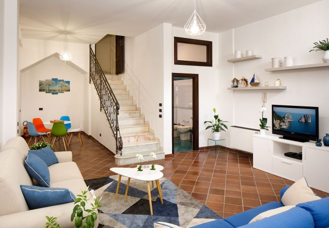 Ferienhaus Villa Lia with Private Pool, Garden and Parking (2670396), Sant'Agnello, Amalfiküste, Kampanien, Italien, Bild 25