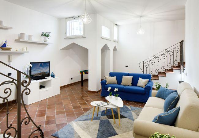 Ferienhaus Villa Lia with Private Pool, Garden and Parking (2670396), Sant'Agnello, Amalfiküste, Kampanien, Italien, Bild 26