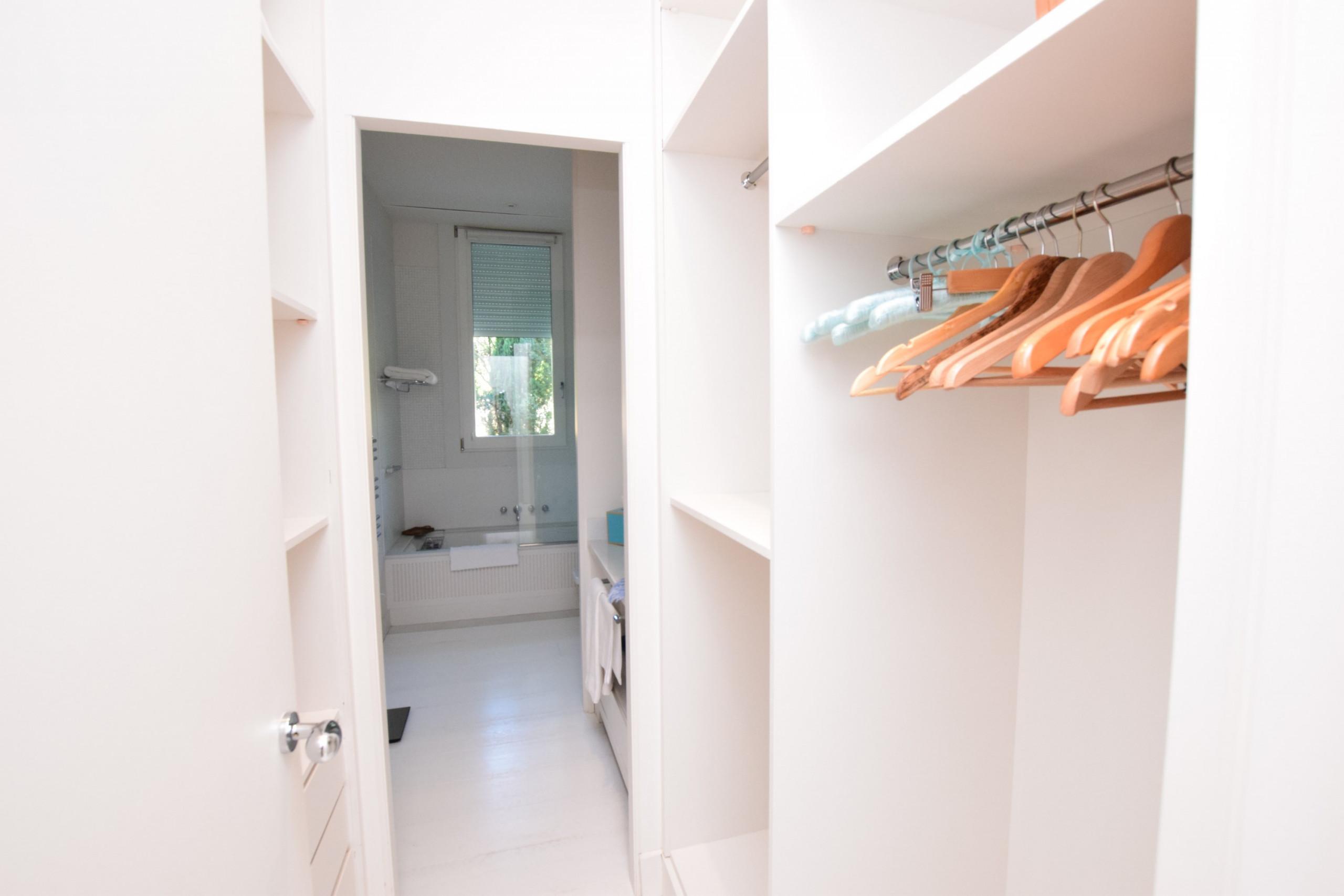 La Recoleta - Vestidor Dormitorio 2