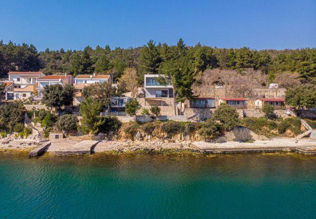 Ferienhaus Beautiful Villa Karla Posedarje, with a Pool (2789363), Posedarje, , Dalmatien, Kroatien, Bild 30