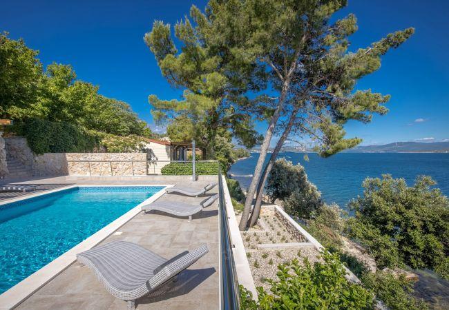 Ferienhaus Beautiful Villa Karla Posedarje, with a Pool (2789363), Posedarje, , Dalmatien, Kroatien, Bild 4