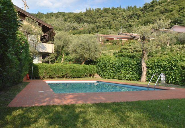 Apartment San Remo With Pool   Torri del Benaco