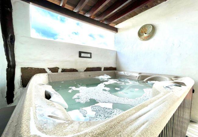 Casa rural con jacuzzi compartido y vistas Lanzaro   Lanzarote