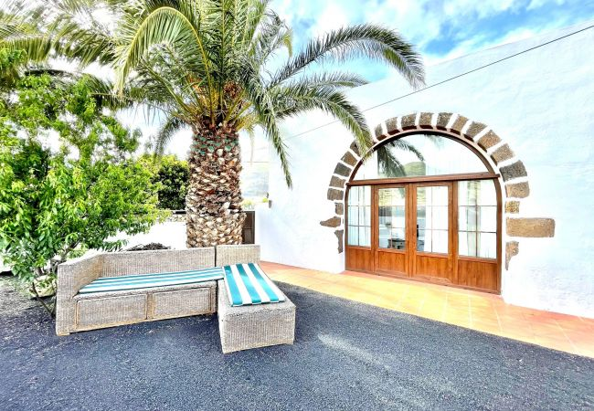 Great Rural House with barbecue in Lanzarote style   Lanzarote
