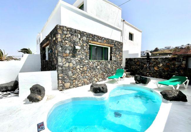 Villa 7 con piscina, jacuzzi y barbacoa privada   Lanzarote