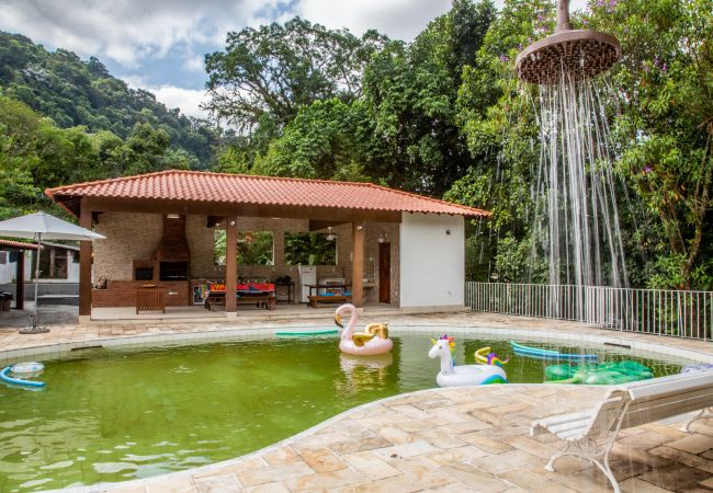 Cottage in Guapimirim for up to 9 people  in Brasilien