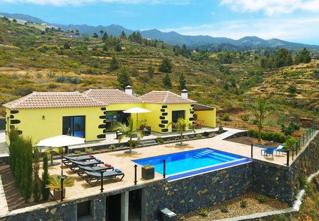 Casa Pino Arujo